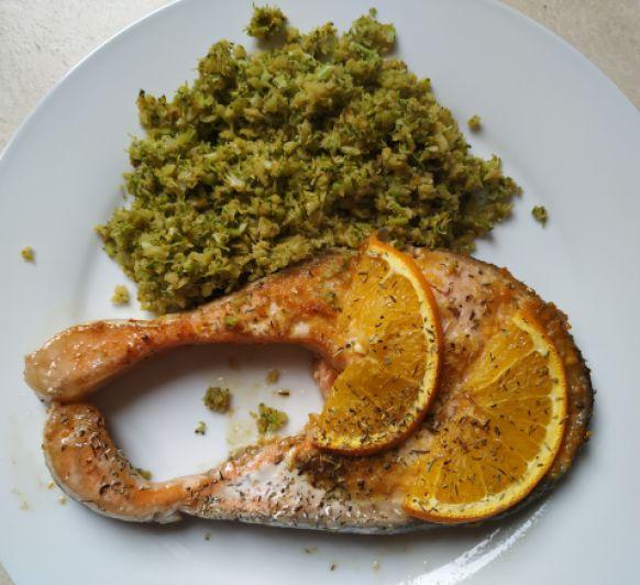 Salmon a la naranja con cuscus de brocoli